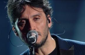 Fabrizio Moro: voto 8 Sarà pure la quarta volta all'Ariston ma quello che canta diventa pura poesia. Una delle Voci di Sanremo