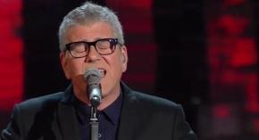 Michele Zarrillo: voto 7 La canzone è gradevole, il testo entra nelle orecchie, ma in alcuni tratti sembra qualcosa di già sentito